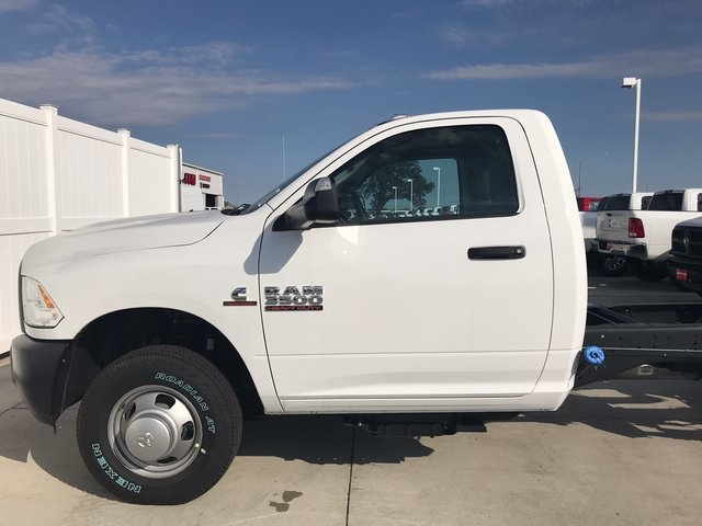 2018 Ram 3500 Regular Cab DRW 4x4 Cab Chassis #R1667 - photo 5