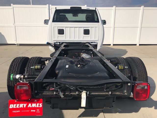 2018 Ram 3500 Regular Cab DRW 4x4 Cab Chassis #R1667 - photo 2