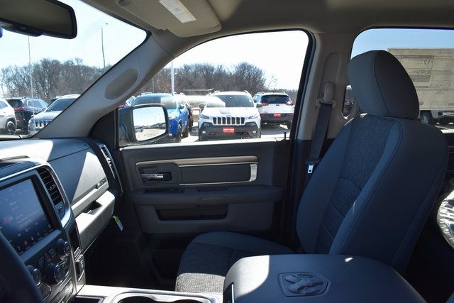 2018 Ram 1500 Crew Cab 4x4, Pickup #R1673 - photo 12