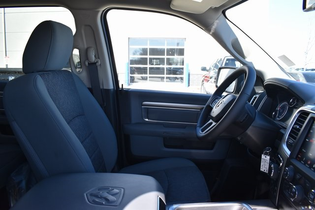 2018 Ram 1500 Crew Cab 4x4, Pickup #R1673 - photo 30