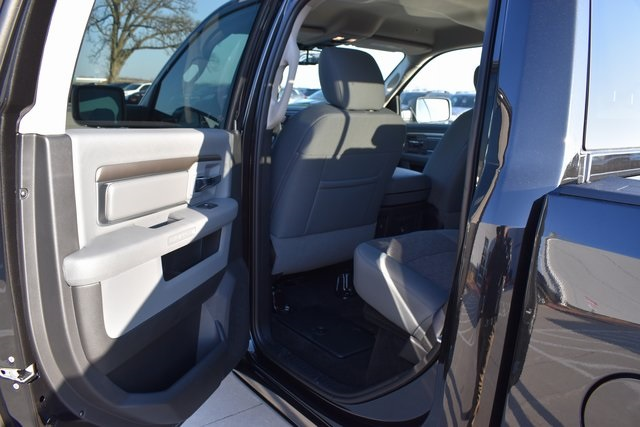 2018 Ram 1500 Crew Cab 4x4, Pickup #R1681 - photo 22