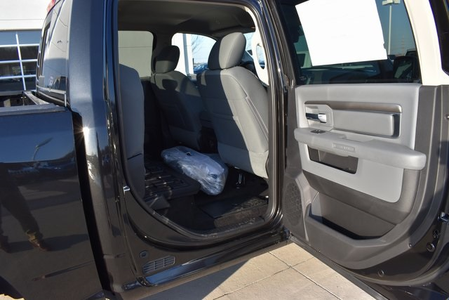 2018 Ram 1500 Crew Cab 4x4, Pickup #R1681 - photo 28