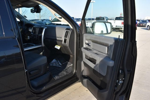 2018 Ram 1500 Crew Cab 4x4, Pickup #R1681 - photo 29