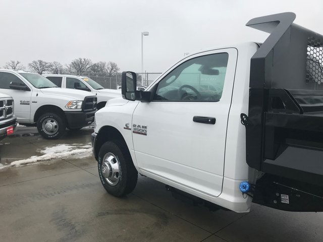 2018 Ram 3500 Regular Cab DRW 4x4,  Knapheide Dump Body #R1694 - photo 11