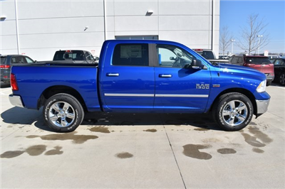 2018 Ram 1500 Crew Cab 4x4, Pickup #R1702 - photo 3