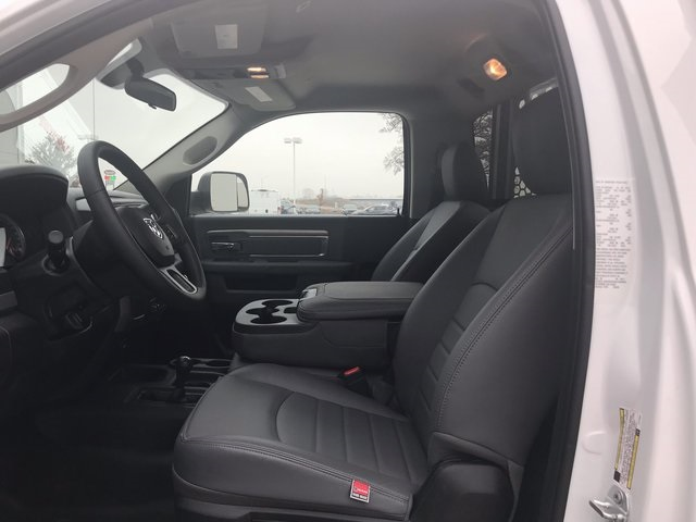 2018 Ram 5500 Regular Cab DRW 4x4, Knapheide Value-Master X Platform Body #R1724 - photo 16