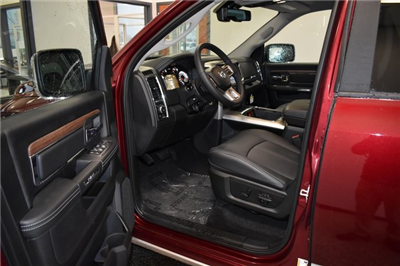 2018 Ram 1500 Crew Cab 4x4, Pickup #R1753 - photo 9