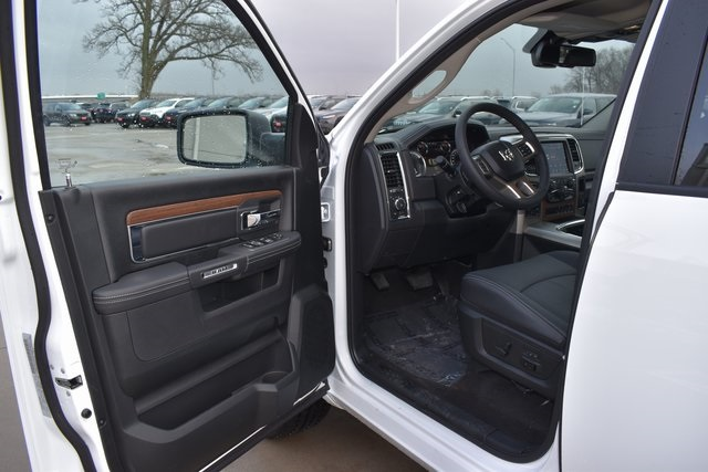 2018 Ram 1500 Crew Cab 4x4, Pickup #R1793 - photo 9