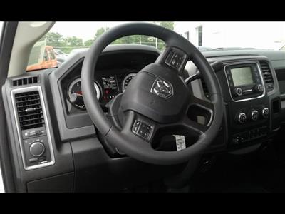 2018 Ram 3500 Regular Cab DRW 4x4,  Reading SL Service Body #R1970 - photo 15