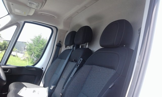 2018 ProMaster 3500 High Roof FWD,  Empty Cargo Van #R2082 - photo 16