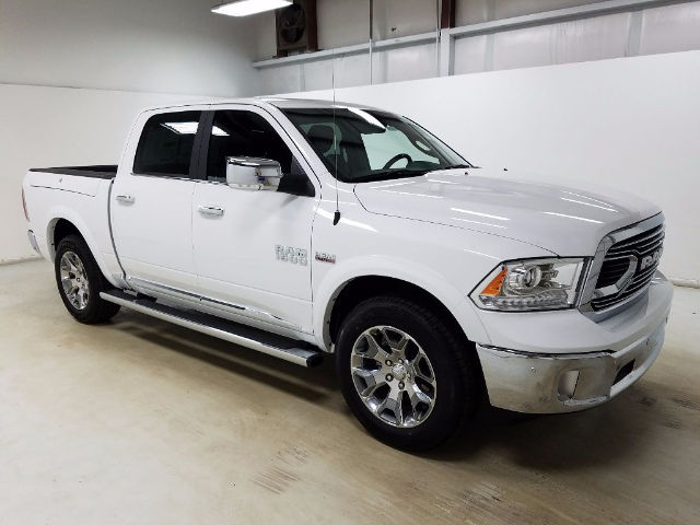 2017 Ram 1500 Crew Cab 4x4, Pickup #17096-1 - photo 3