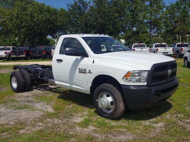 2017 Ram 3500 Regular Cab DRW 4x4, Cab Chassis #17119-1 - photo 3