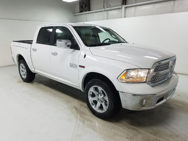 2017 Ram 1500 Crew Cab 4x4, Pickup #17184-2 - photo 3