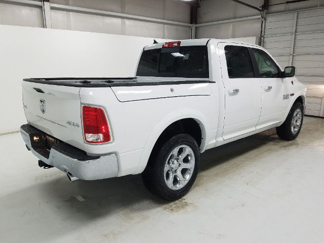 2017 Ram 1500 Crew Cab 4x4, Pickup #17184-2 - photo 4