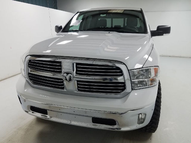 2017 Ram 1500 Crew Cab 4x4, Pickup #17357-1 - photo 18