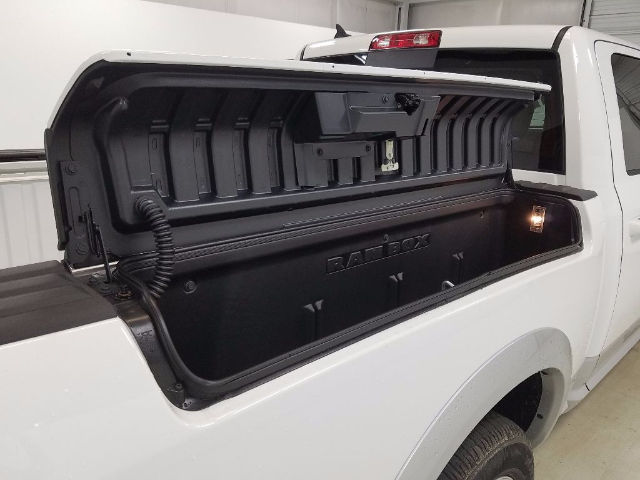 2017 Ram 1500 Crew Cab Pickup #17381-1 - photo 11