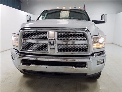2017 Ram 3500 Crew Cab DRW 4x4, Pickup #17394-1 - photo 6