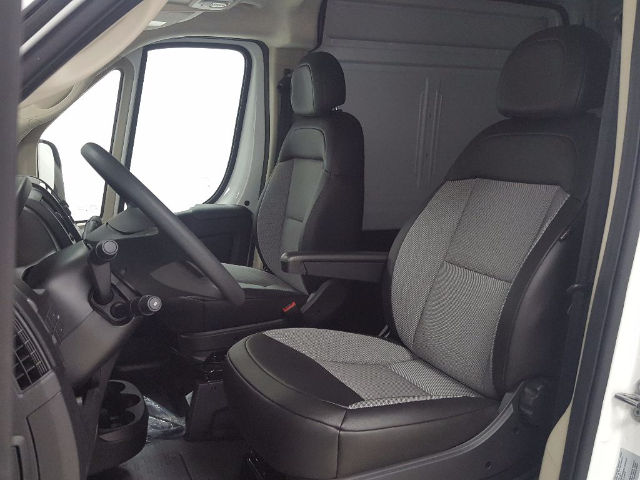 2017 ProMaster 2500 High Roof Cargo Van #17451-1 - photo 10