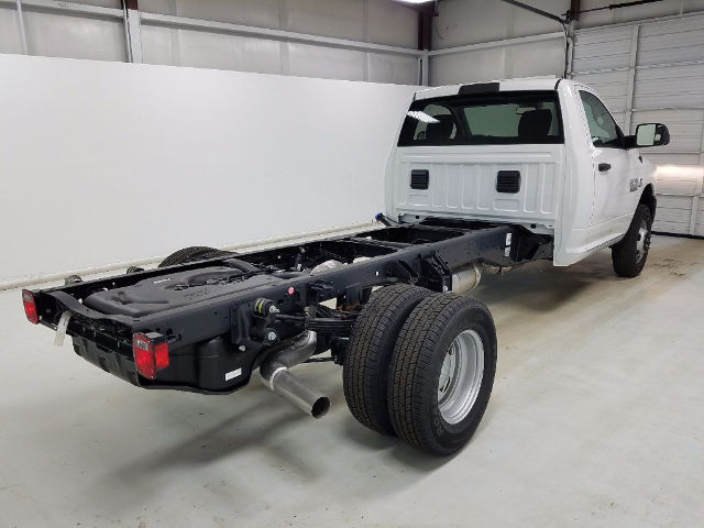 2017 Ram 3500 Regular Cab DRW 4x4, Cab Chassis #17517 - photo 4