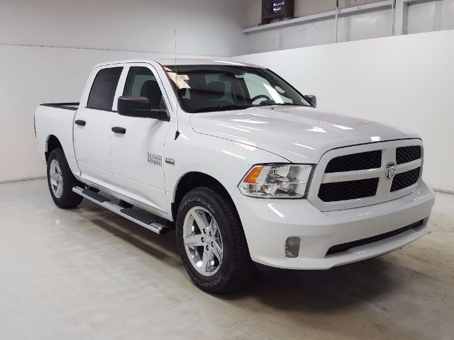 2017 Ram 1500 Crew Cab 4x4, Pickup #17582-1 - photo 1