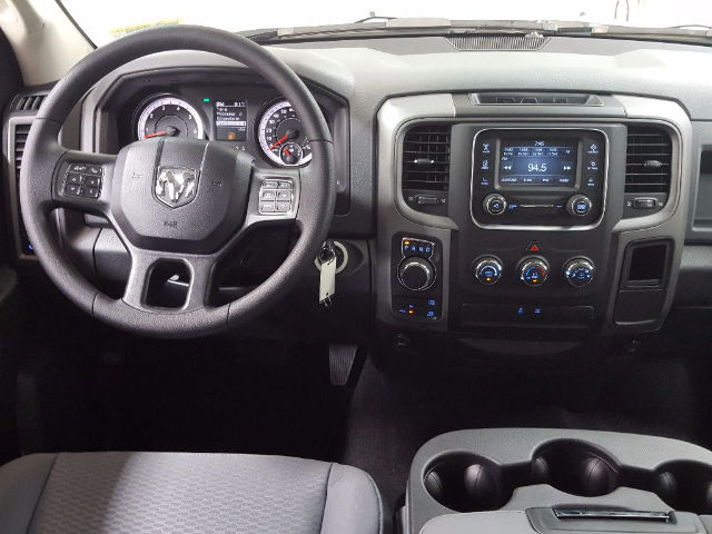 2017 Ram 1500 Crew Cab 4x4, Pickup #17582-1 - photo 14