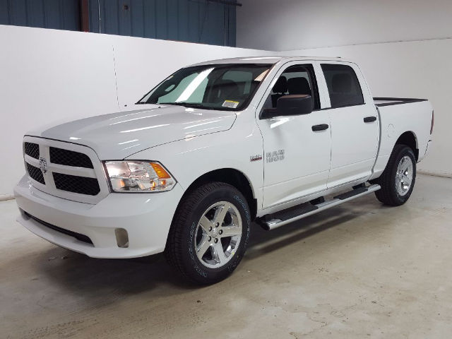 2017 Ram 1500 Crew Cab 4x4, Pickup #17582-1 - photo 6