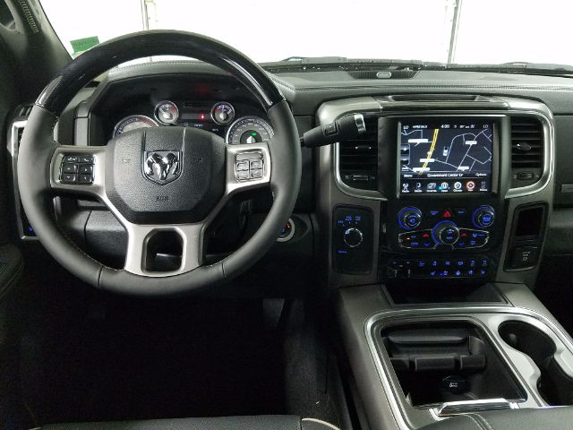 2017 Ram 3500 Crew Cab DRW 4x4, Pickup #17745-1 - photo 15