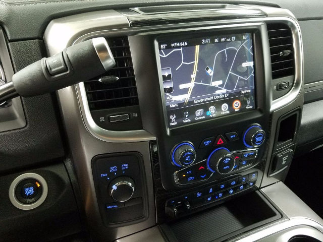 2017 Ram 3500 Crew Cab DRW 4x4, Pickup #17754-1 - photo 16
