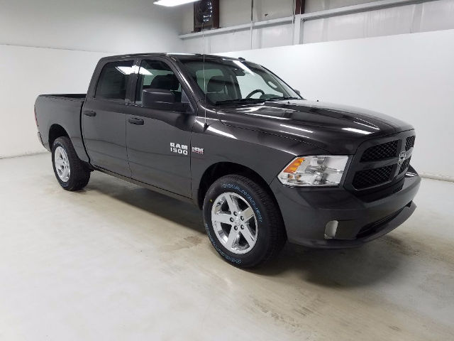 2017 Ram 1500 Crew Cab 4x4, Pickup #17861-1 - photo 3