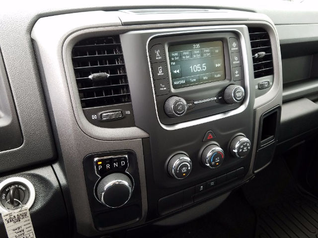 2017 Ram 1500 Crew Cab Pickup #17884-1 - photo 9