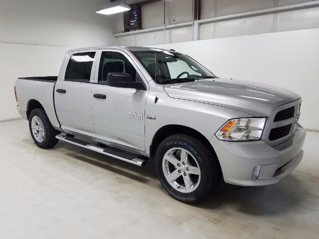 2017 Ram 1500 Crew Cab 4x4, Pickup #17975-1 - photo 19