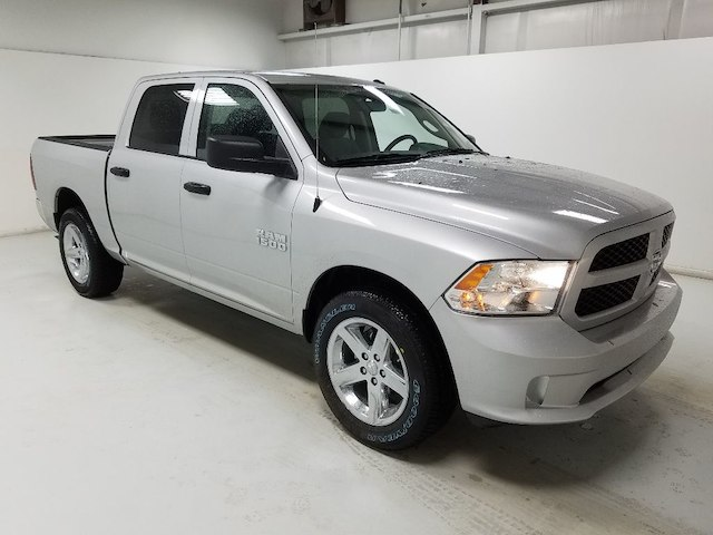 2018 Ram 1500 Crew Cab 4x2,  Pickup #18031-1 - photo 3