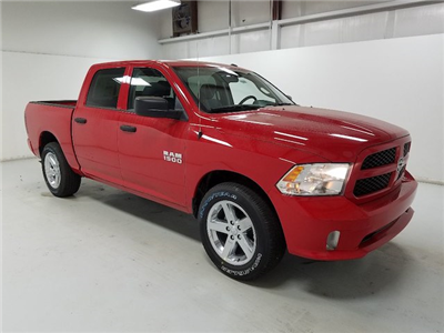 2018 Ram 1500 Crew Cab 4x2,  Pickup #18063-1 - photo 3