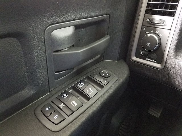 2018 Ram 1500 Crew Cab 4x4,  Pickup #18103-1 - photo 21