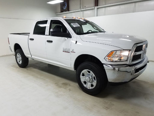 2018 Ram 3500 Crew Cab 4x4 Pickup #18122 - photo 3