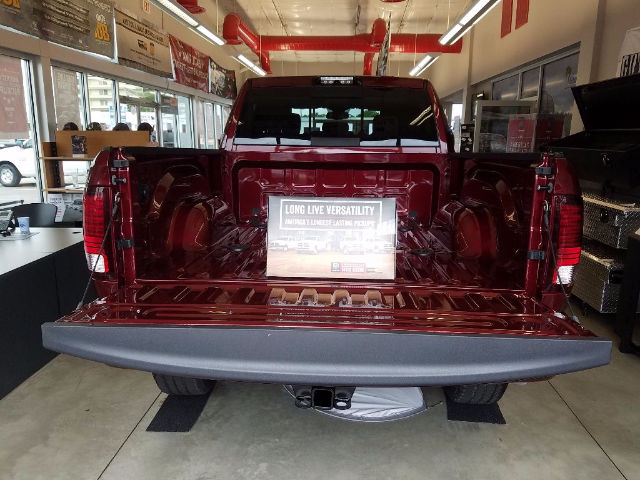 2018 Ram 2500 Crew Cab 4x4, Pickup #18149 - photo 5