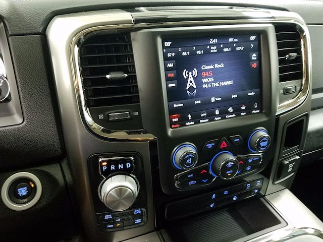 2018 Ram 1500 Crew Cab 4x4 Pickup #18157 - photo 19