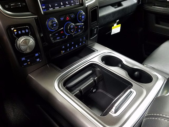 2018 Ram 1500 Crew Cab 4x4, Pickup #18167 - photo 18