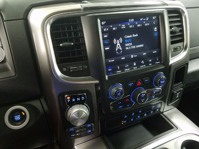 2018 Ram 1500 Crew Cab 4x4 Pickup #18259 - photo 15