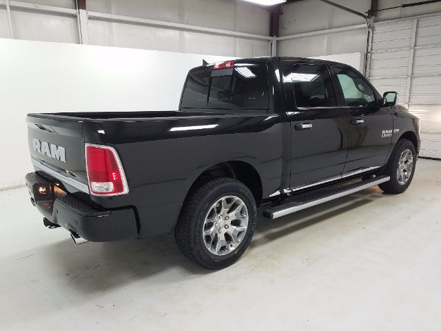 2018 Ram 1500 Crew Cab 4x4 Pickup #18259 - photo 4