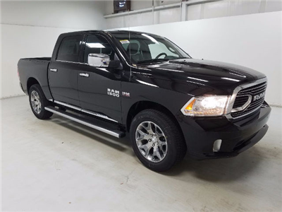 2018 Ram 1500 Crew Cab 4x4 Pickup #18259 - photo 3