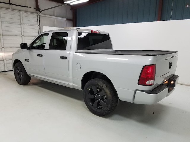 2018 Ram 1500 Crew Cab 4x2,  Pickup #18269-1 - photo 2