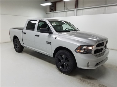 2018 Ram 1500 Crew Cab 4x2,  Pickup #18269-1 - photo 3