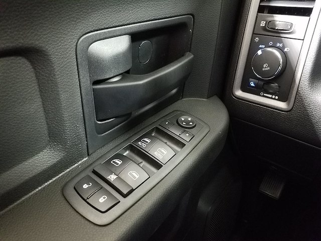 2018 Ram 1500 Crew Cab 4x2,  Pickup #18452 - photo 21
