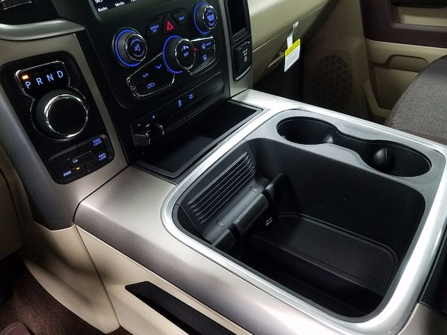 2018 Ram 1500 Crew Cab 4x4, Pickup #18518 - photo 18