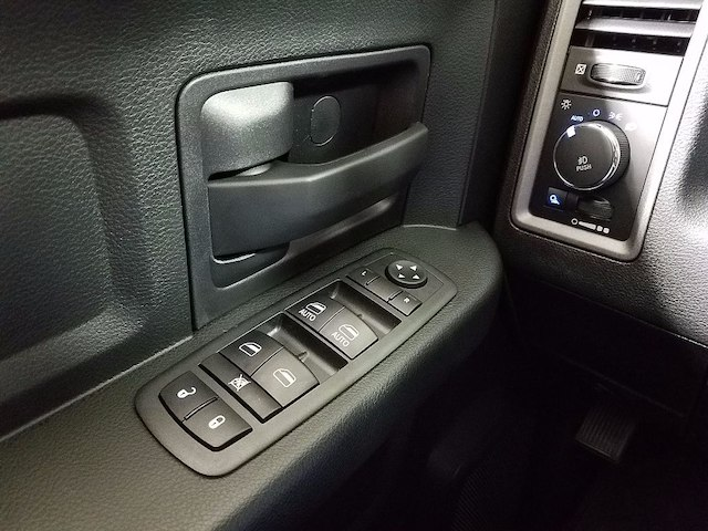 2018 Ram 1500 Crew Cab, Pickup #18524 - photo 21