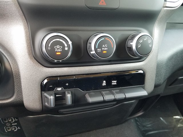 2019 Ram 1500 Crew Cab 4x2,  Pickup #19198 - photo 17