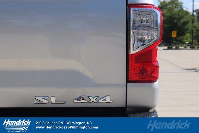 2017 Nissan Titan Crew Cab 4x4, Pickup #20231-1B - photo 10
