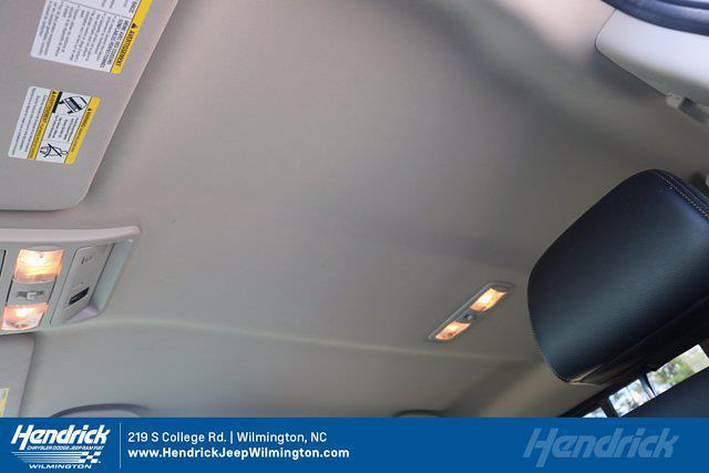 2017 Nissan Titan Crew Cab 4x4, Pickup #20231-1B - photo 15