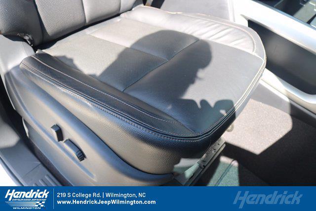 2017 Nissan Titan Crew Cab 4x4, Pickup #20231-1B - photo 31